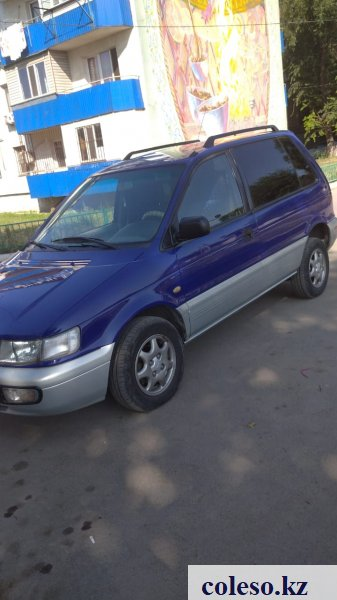 Mitsubishi Space Runner 1996 года