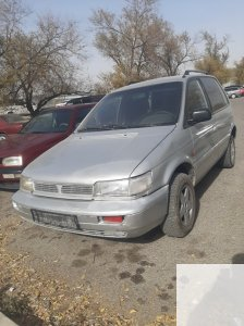 Mitsubishi Space Runner 1992 года