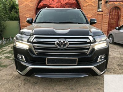 Toyota Land Cruiser 200 2011 года